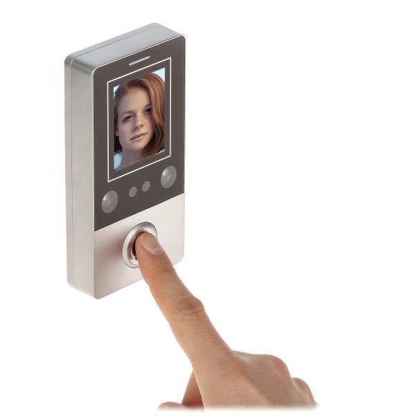 Kontrola přístupu FR-601 tvář, otisk, RFID